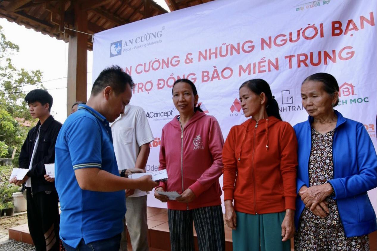 Malloca cùng các công ty đối tác ủng hộ miền Trung lũ lụt