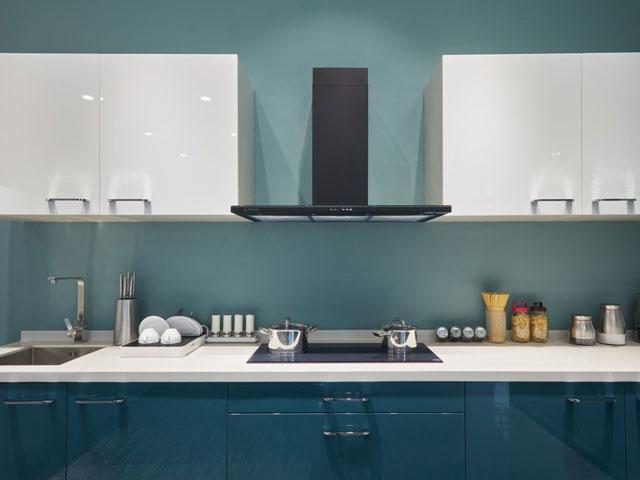 Chọn máy hút khử mùi nào phù hợp cho gian bếp nhà bạn